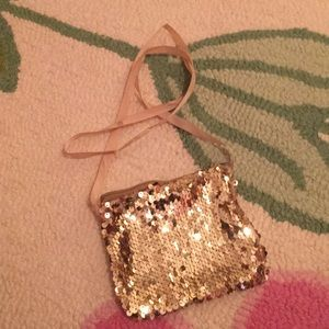 Handbags - Gold sequin purse.